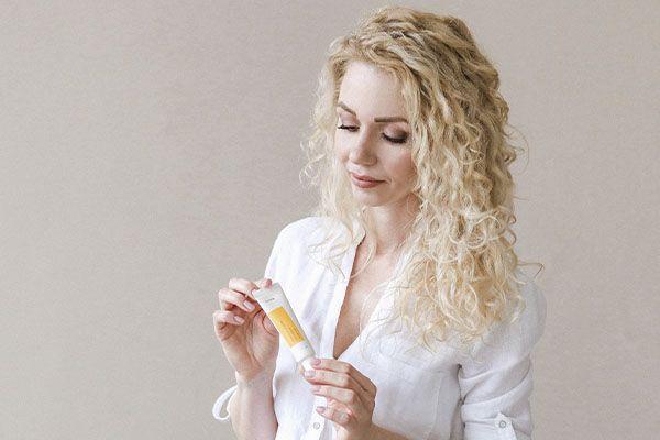 Iunik Propolis Vitamin Eye Cream купить на сайте New Skin